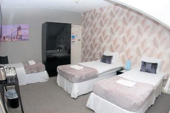 Standard Triple Room, Shared Bathroom