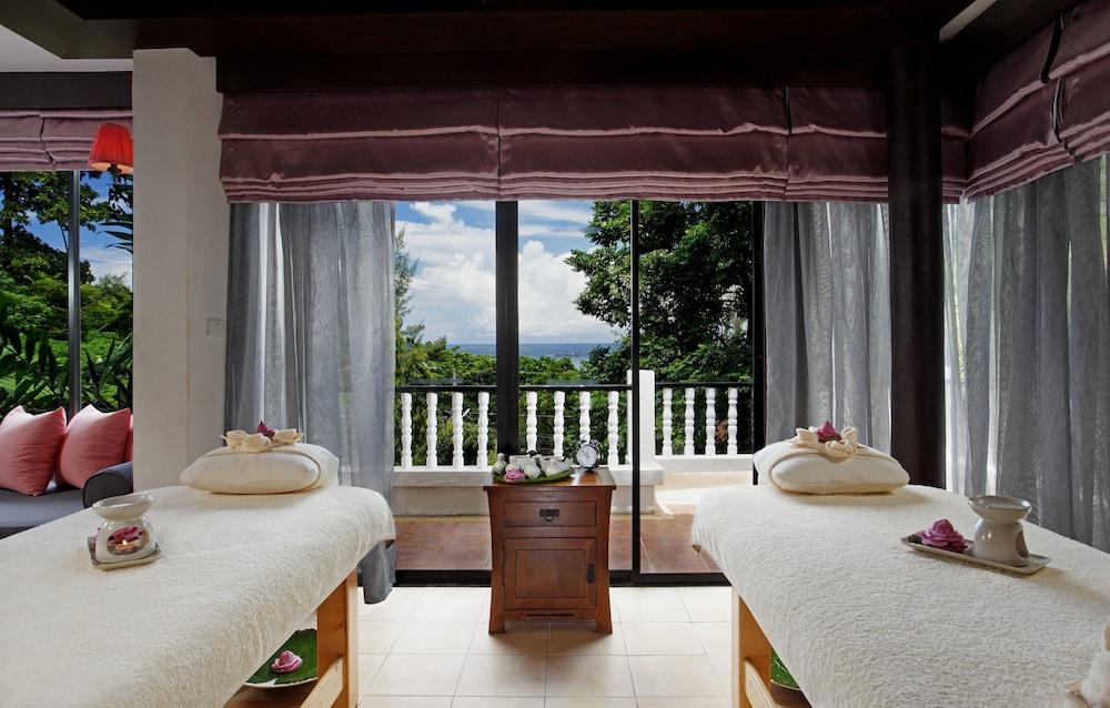 https://i.travelapi.com/hotels/2000000/1070000/1069000/1068917/0586e728_z.jpg