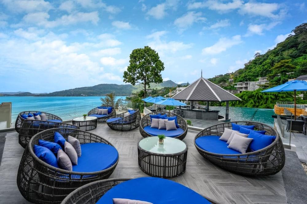 https://i.travelapi.com/hotels/2000000/1070000/1069000/1068917/0caecdc1_z.jpg