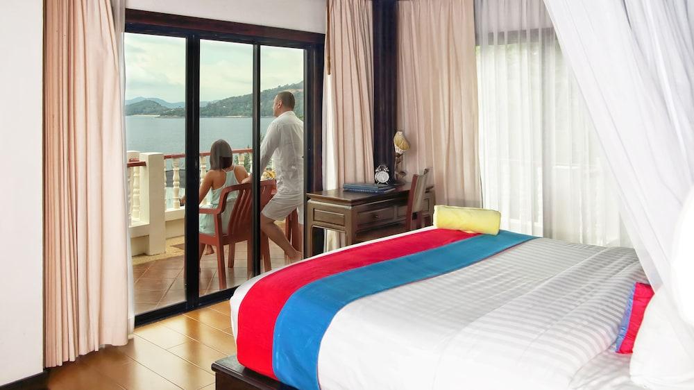 https://i.travelapi.com/hotels/2000000/1070000/1069000/1068917/0cb66988_z.jpg