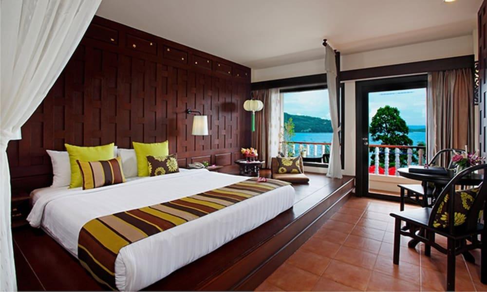 https://i.travelapi.com/hotels/2000000/1070000/1069000/1068917/94328e9d_z.jpg