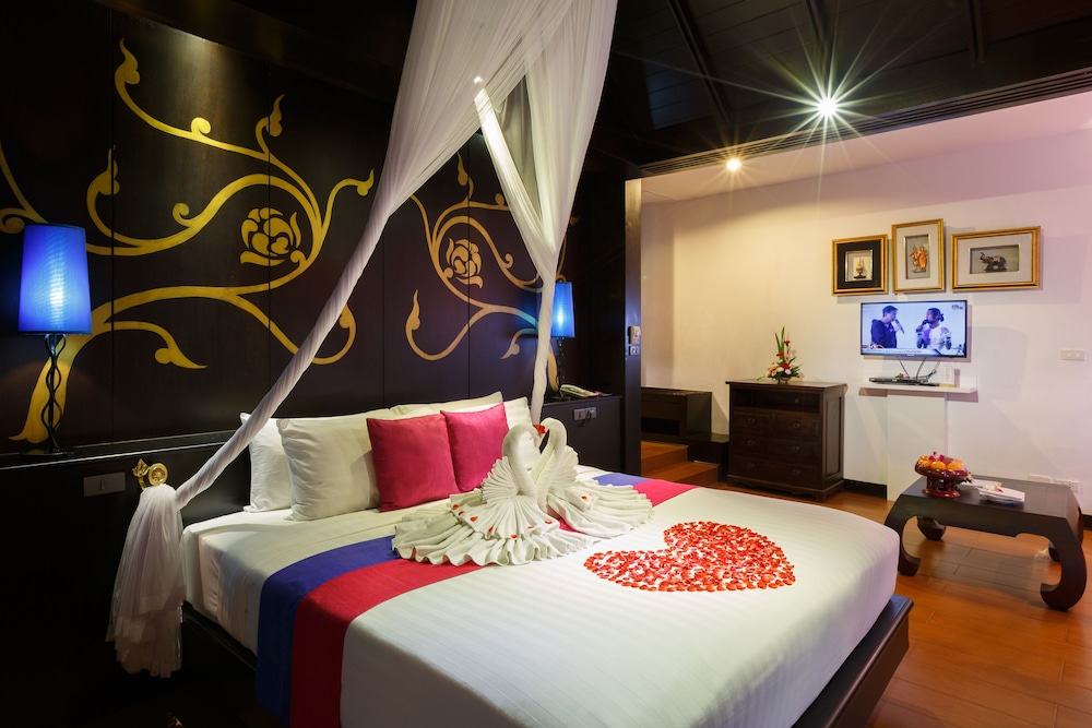https://i.travelapi.com/hotels/2000000/1070000/1069000/1068917/98f40c73_z.jpg