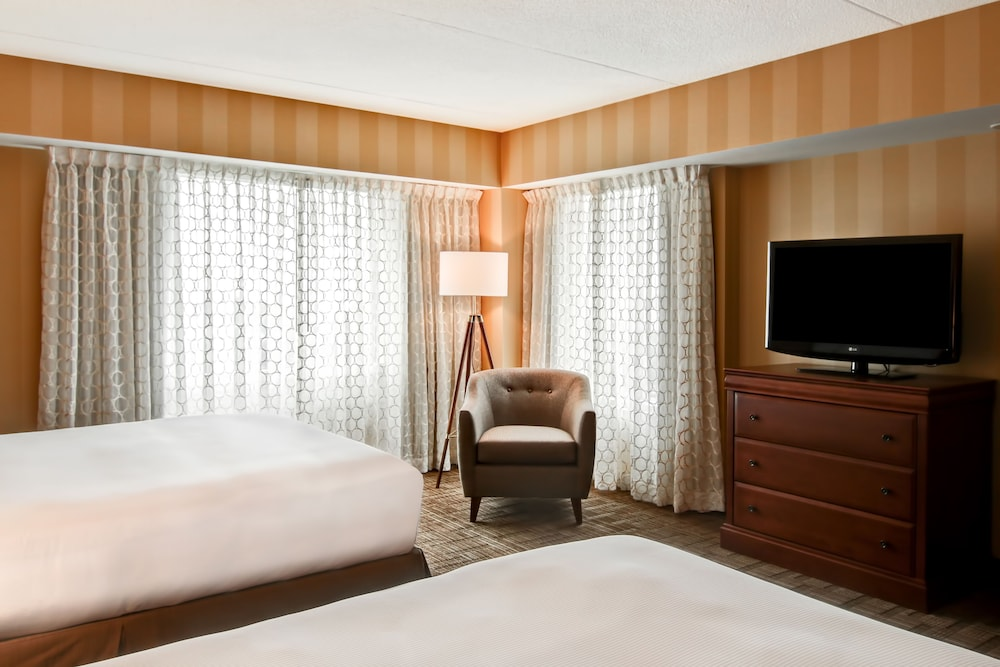 Suite : Junior Suite, 2 Queen Beds, Non Smoking (Floor 3-4) 10 of 129