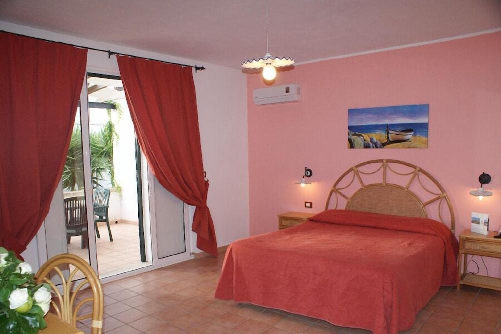 메사피아 호텔 & 리조트(Messapia Hotel & Resort) Hotel Image 5 - Guestroom