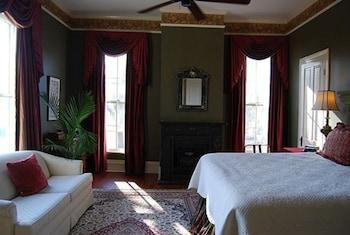 Room (Golden Suite)