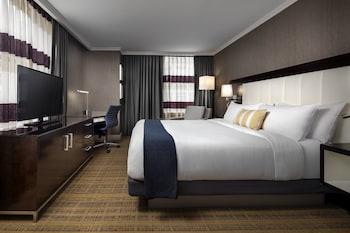 Grand Room, 1 King Bed, Corner