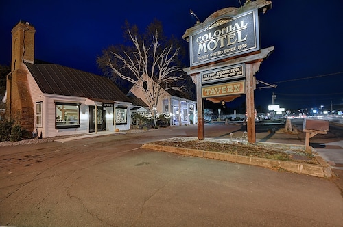 . Colonial Motel And Spa