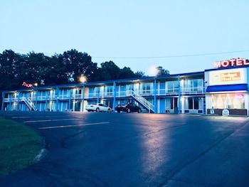 Hotel - Budget Host Inn