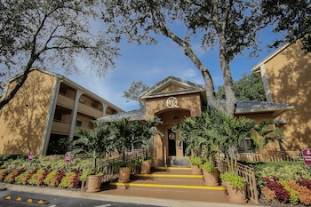 Hotel Entrance at Westgate Leisure Resort in Orlando