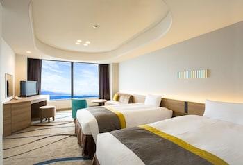リニューアルレイクフロアーツインルーム(定員4名)|36㎡|びわ湖大津プリンスホテル