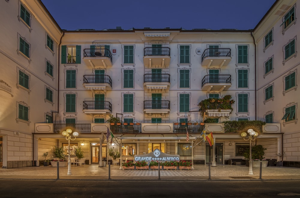 Grande Albergo Sestri Levante, Featured Image