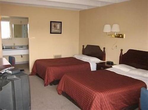 . Tecumseh Inn Motel