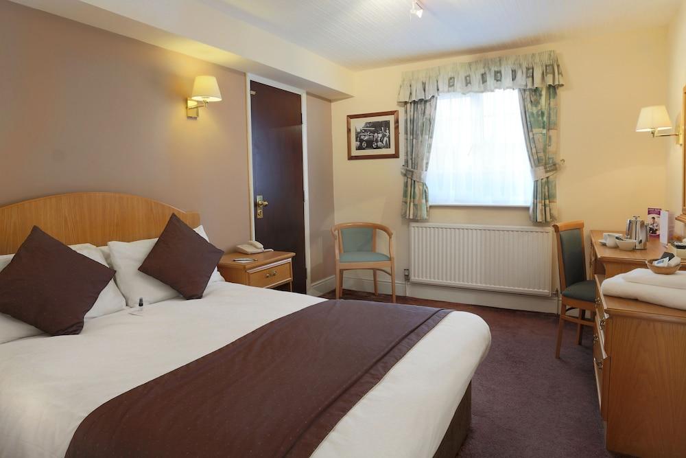 베스트 웨스턴 올드 밀 호텔 & 레저 클럽(Best Western Old Mill Hotel & Leisure Club) Hotel Image 11 - Guestroom