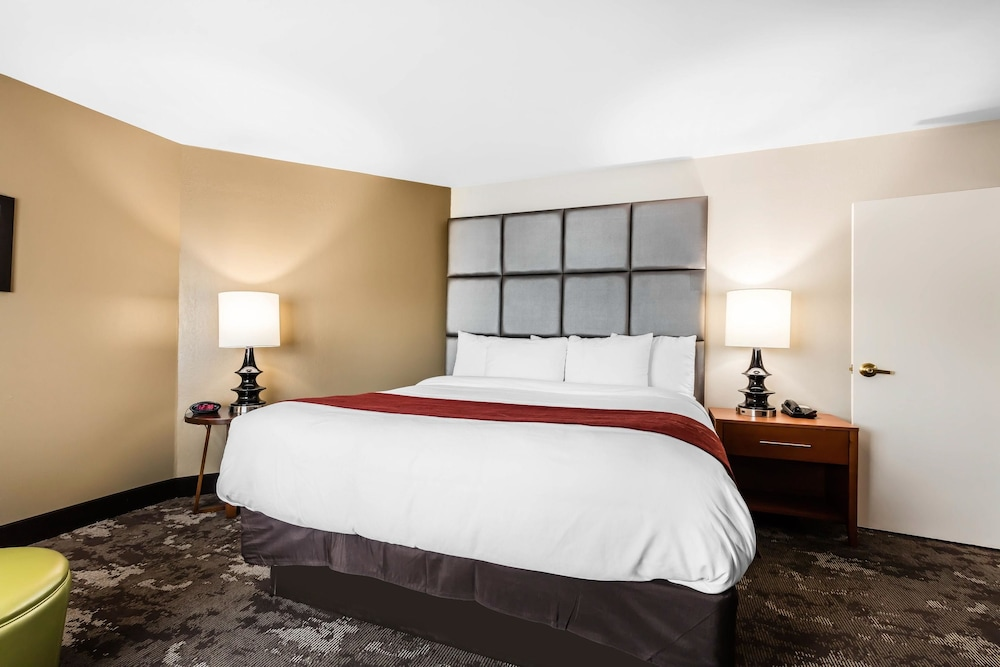 Suite, 2 Queen Beds, Accessible, Non Smoking
