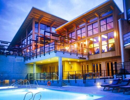 . Brentwood Bay Resort & Spa