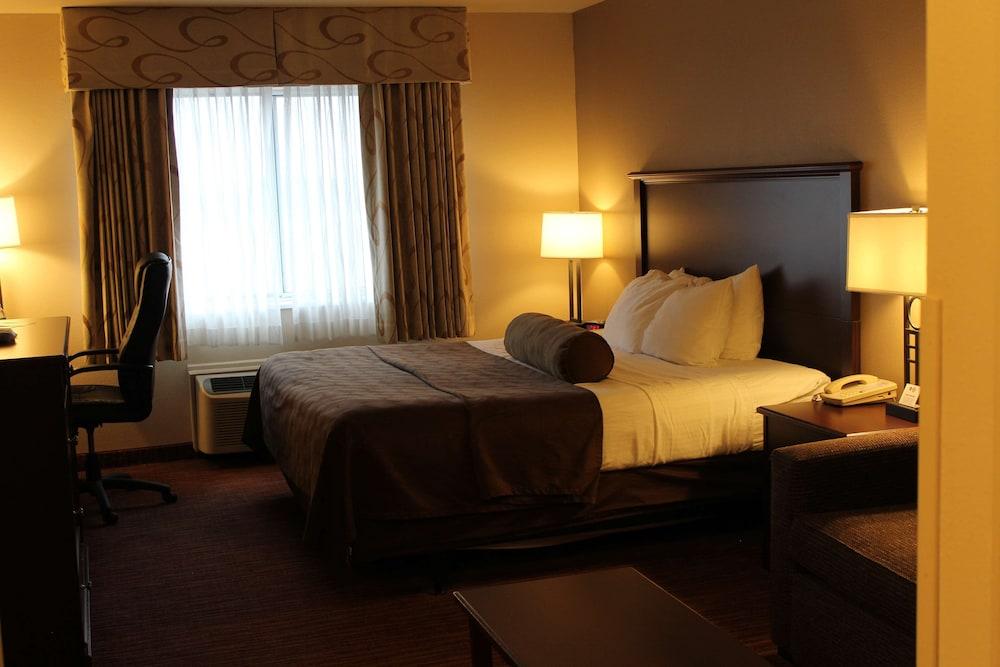 https://i.travelapi.com/hotels/2000000/1080000/1077200/1077184/5818488a_z.jpg