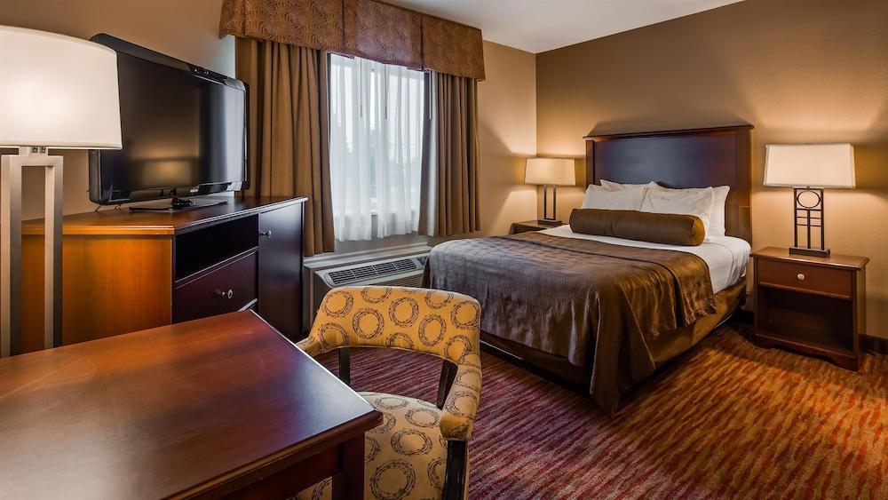 https://i.travelapi.com/hotels/2000000/1080000/1077200/1077184/93dcd669_z.jpg