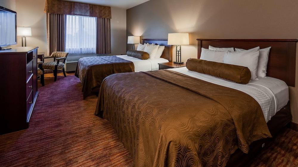 https://i.travelapi.com/hotels/2000000/1080000/1077200/1077184/f8479e02_z.jpg