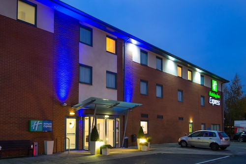 . Holiday Inn Express Bedford