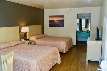 Pet Friendly Room, 2 Queen Beds ($10 daily pet fee collected by hotel)