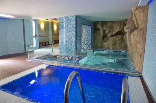 Pozzuoli - Villa Luisa Hotel Residence Beauty Farm - z Katowic, 5 kwietnia 2021, 3 noce
