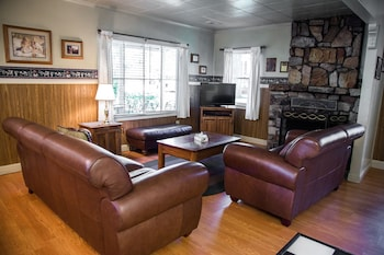 Family Cabin, 2 Double Beds with Fireplace