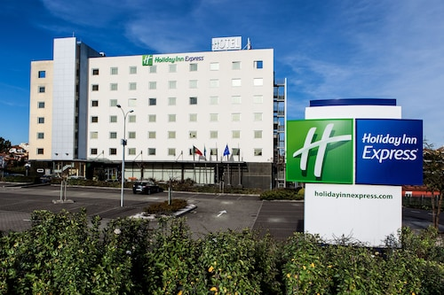 . Holiday Inn Express Lisbon - Oeiras