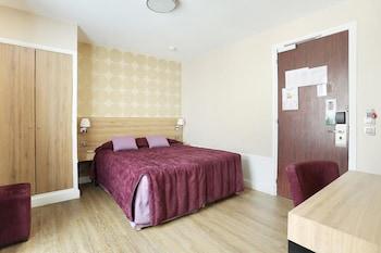 Double Room, Bathtub