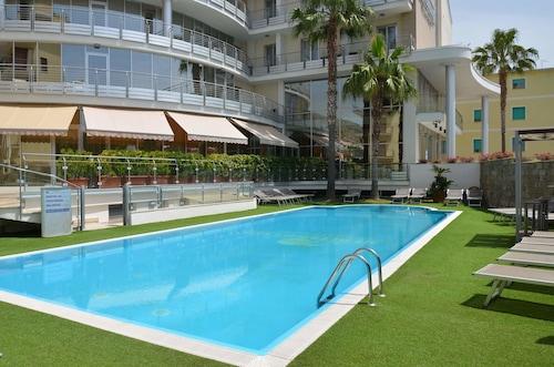 . Mediterraneo Palace Hotel