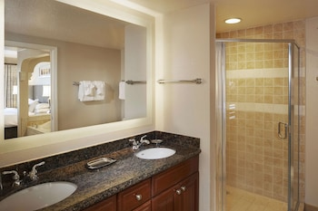 Suite, 1 Bedroom, Accessible (Mobility & Hearing, Roll-in Shower)