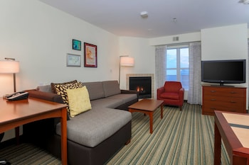 Guestroom at Residence Inn Potomac Mills in Woodbridge