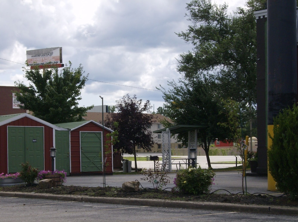 Days Inn Suites Terre Haute Terre Haute In 101 East Margaret 47802