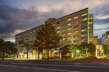 聖路易斯森林公園希爾頓逸林飯店 DoubleTree by Hilton St. Louis Forest Park