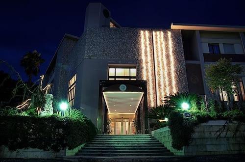 . Solofra Palace Hotel Resorts