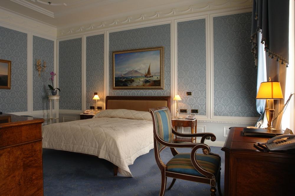 https://i.travelapi.com/hotels/2000000/1090000/1082500/1082410/f3ed8c69_z.jpg
