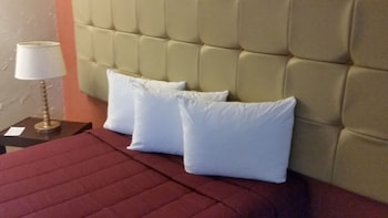 Standard Room, 1 Queen Bed (Cruise Only)