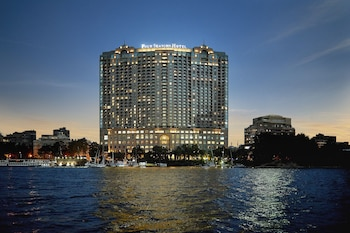 Hotel - Four Seasons Hotel Cairo at Nile Plaza