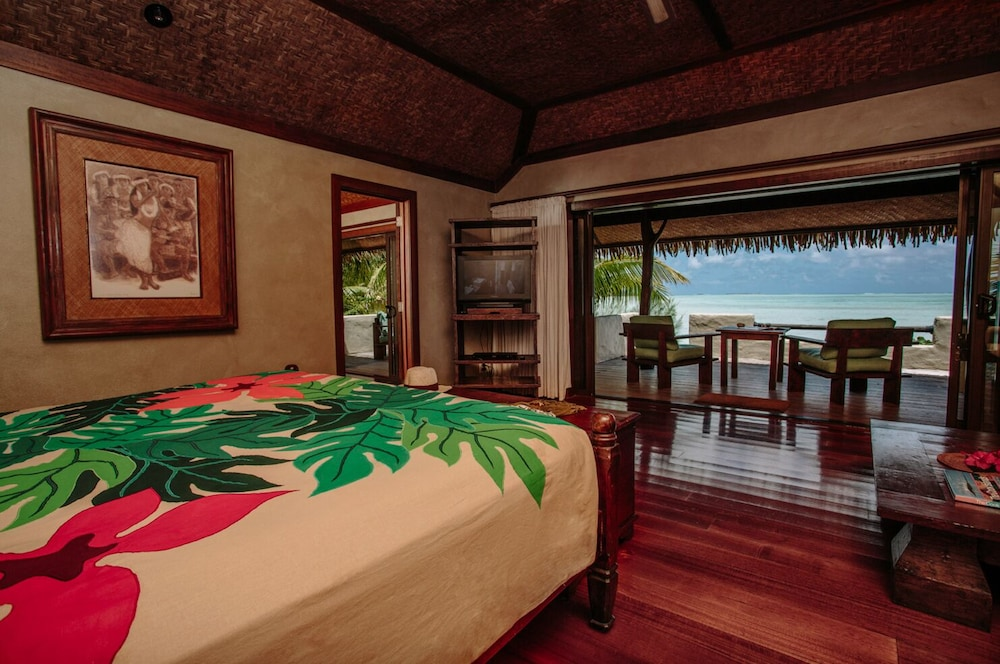 https://i.travelapi.com/hotels/2000000/1090000/1083600/1083579/590f2440_z.jpg