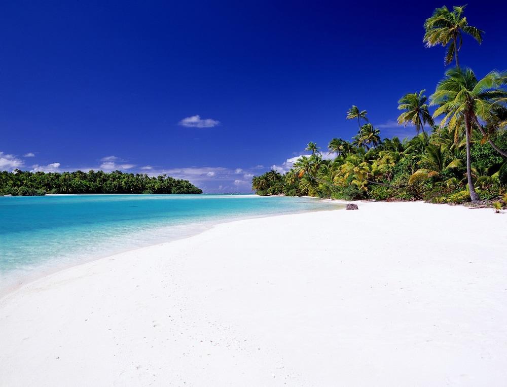 https://i.travelapi.com/hotels/2000000/1090000/1083600/1083579/84f6472a_z.jpg