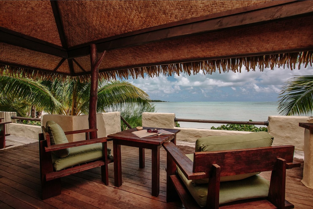 https://i.travelapi.com/hotels/2000000/1090000/1083600/1083579/b810d9c5_z.jpg