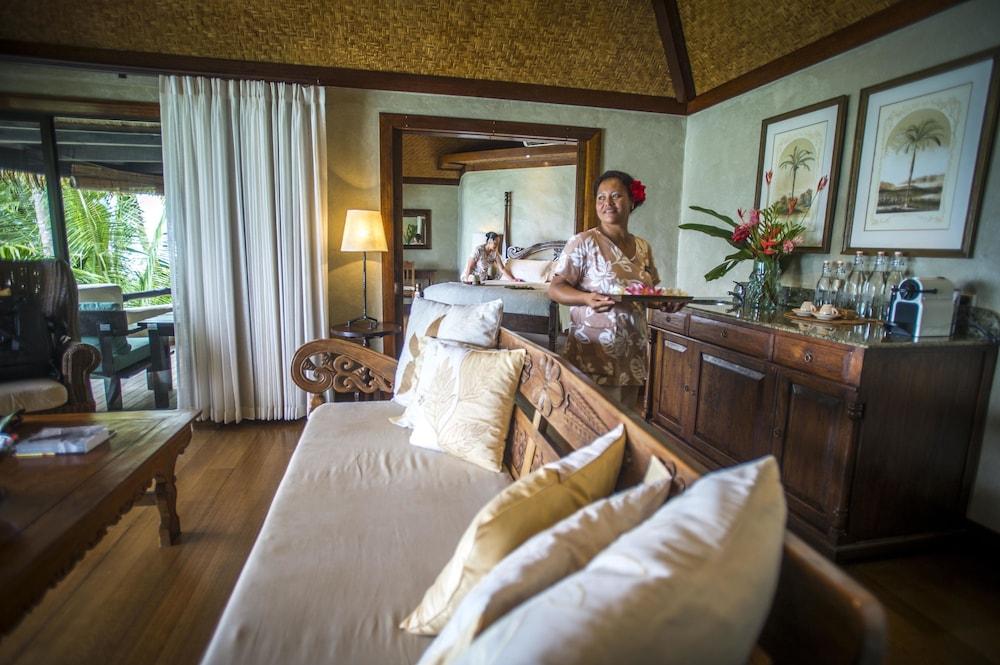 https://i.travelapi.com/hotels/2000000/1090000/1083600/1083579/bc205863_z.jpg