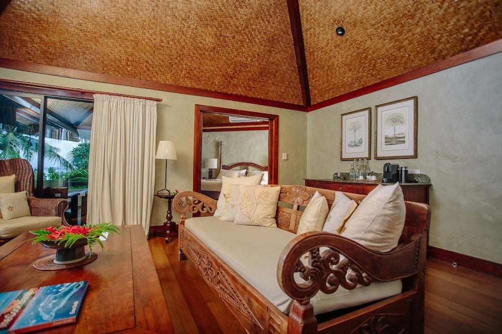 https://i.travelapi.com/hotels/2000000/1090000/1083600/1083579/c99c9454_z.jpg