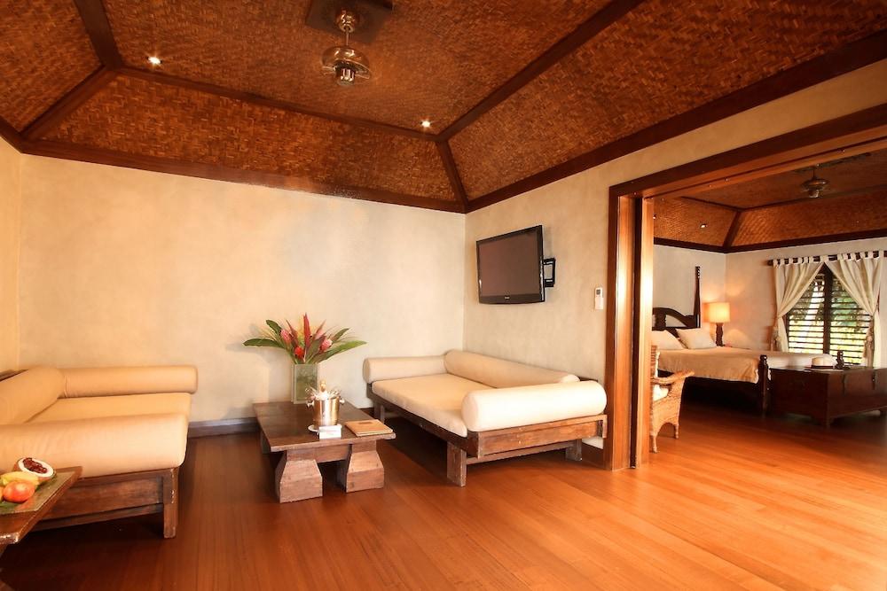 https://i.travelapi.com/hotels/2000000/1090000/1083600/1083579/fca2366d_z.jpg