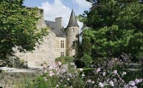 . Château D'agneaux
