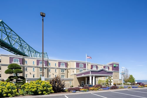 . Holiday Inn Express And Suites Astoria, an IHG Hotel
