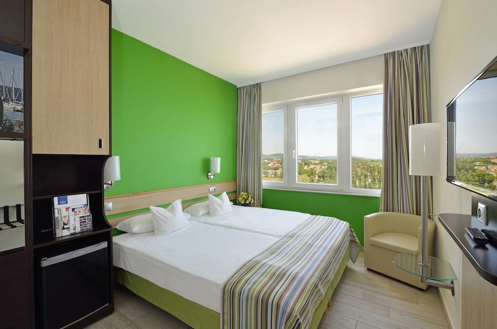 호텔 마리나 - 올 인클루시브