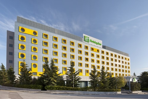 . Holiday Inn Athens Attica Av. Airport West