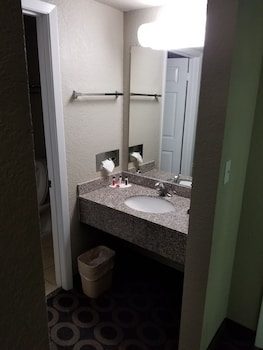 SureStay Hotel by Best Western San Antonio Northeast - Bathroom Sink  - #0