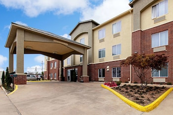 Hotel - Comfort Inn and Suites Fredericksburg