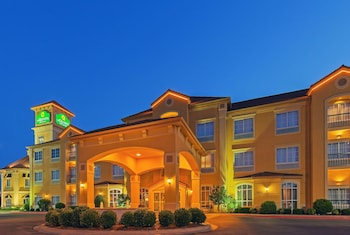 La Quinta Inn & Suites by Wyndham OKC North - Quail Springs